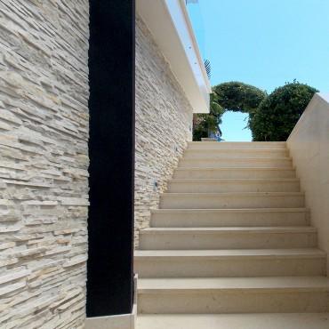 Kamenný obklad fasády - Light Créme
