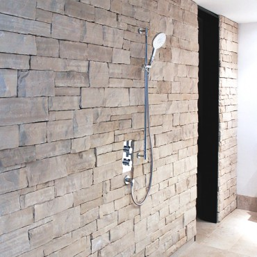 Stone cladding at Bathroom - White Essence