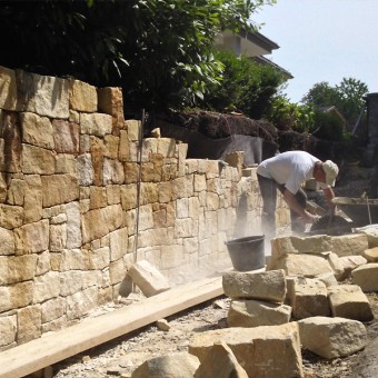 Realization of natural stone fence - Golden History