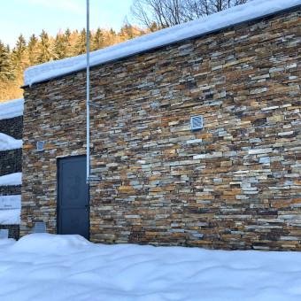 Kamenná fasáda Krkonoše – Modern Rustic